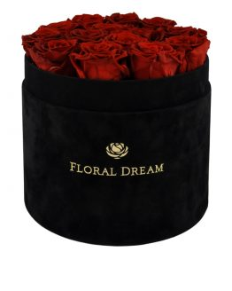 czerwone wieczne róże w pudełku flower box