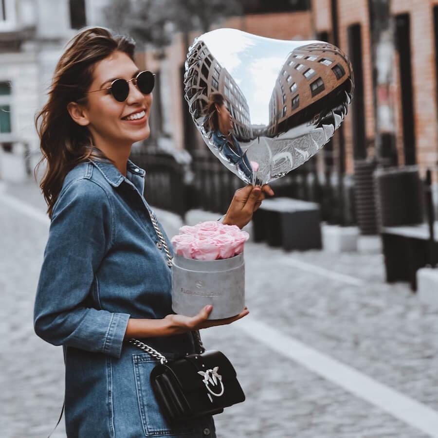 wieczne róże i balon z helem serce